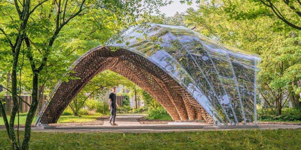 """Der """"livMats Pavillon"""" im Botanischen Garten der Universität Freiburg entstand aus Naturfasern. Foto: IntCDC, Universität Stuttgart / Robert Faulkner"""