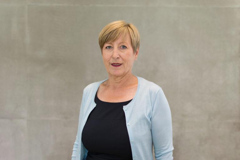 Porträt Professorin Andrea Ruppert