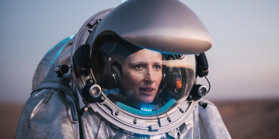 Carmen Köhler testet als Analogastronautin Raumfahrt-Equipment. Foto: OeWF/Florian Voggeneder