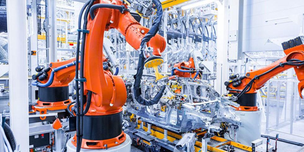 Roboter in der Automobilfertigung. Foto: PanterMedia/zhu_zhu (YAYMicro)