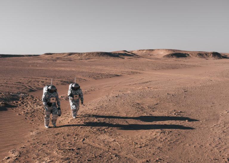"""""""Wie auf dem Mars"""": Carmen Köhler im Oman. Foto: OeWF/Florian Voggeneder"""