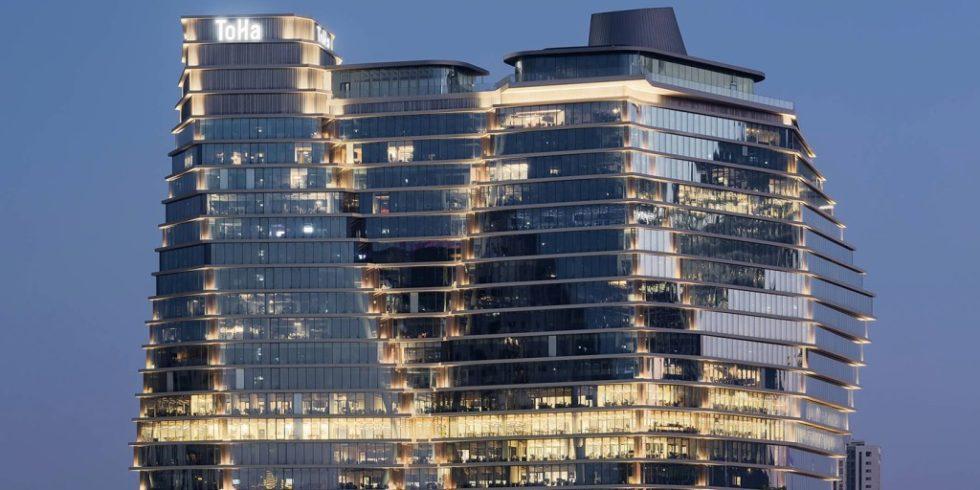 Der ToHa Business Tower 1 überzeugte das Council on Tall Buildings and Urban Habitat (CTBUH) unter anderem mit seiner innovativen Fassade. Foto: Sharon Tzarfati Photography/Schüco International KG