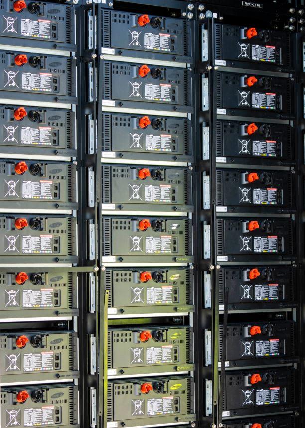 Einzelne Batteriemodule können eine Menge an Sonnenenergie speichern, die umgerechnet 2.000 iPhone-Batterien entspricht. Foto: FPL