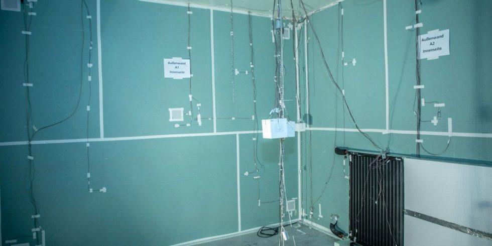 Das Fraunhofer IBP erprobt die Nutzung von Heizsystemen zur Raumkühlung. Foto: Fraunhofer IBP