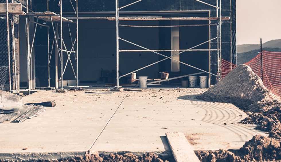 Der Hausbau wird immer teurer, es fehlt an Rohstoffen und Arbeitskräften. Foto: panthermedia.net/welcomia