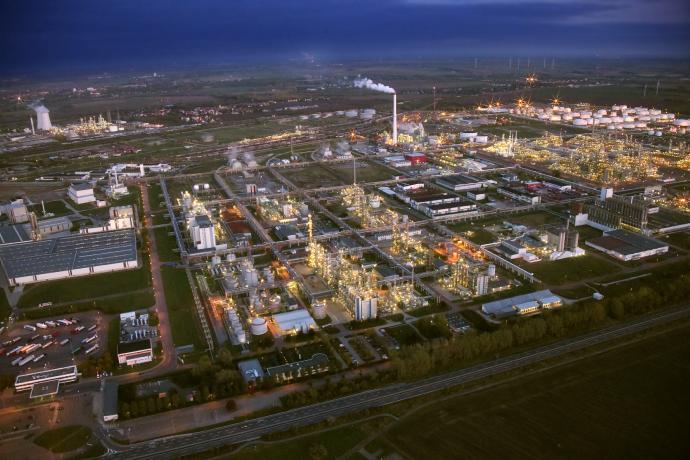 Luftaufnahme InfraLeuna am Chemiestandort Leuna