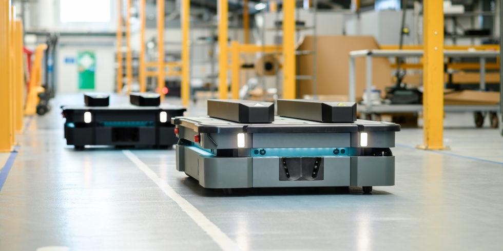 Die autonomen mobilen Roboter von MiR sind  staub- und tropfwassergeschützt. Foto: MiR
