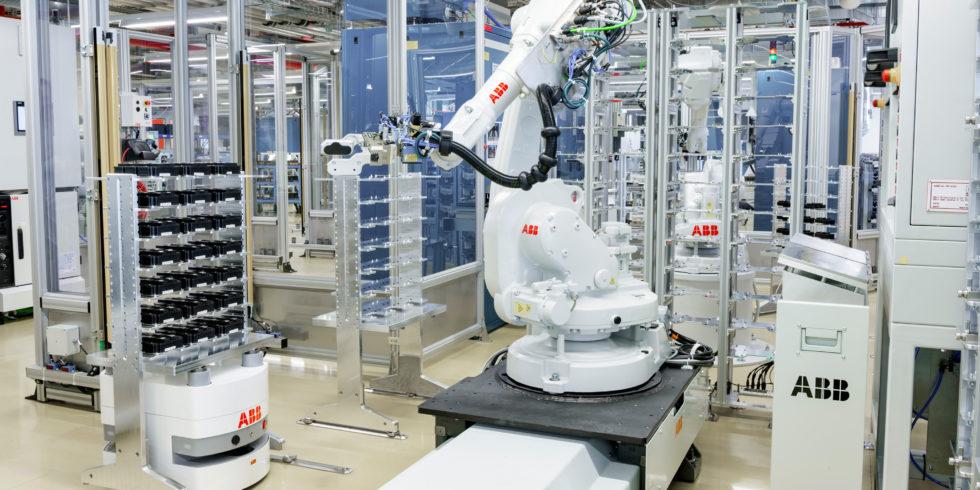BlueBotics-mini mobile robots von ABB. Foto: ABB/IFR