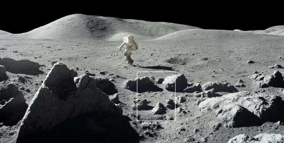 Diese Aufnahme von 1972 zeigt deutlich, wie uneben und rau die Oberfläche auf dem Mond ist. In den schattigen Bereichen herrschen extrem kalte Tempersturen, in denen sich gefrorenes Wasser ansammelt. Foto: Nasa