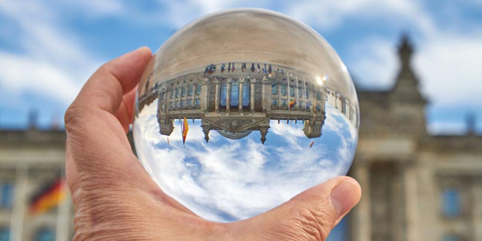 Der Reichstag steht während der Wahlen im Fokus - Wie steht es um die technische Sicherheit? Foto: PantherMedia / Martin Konopka