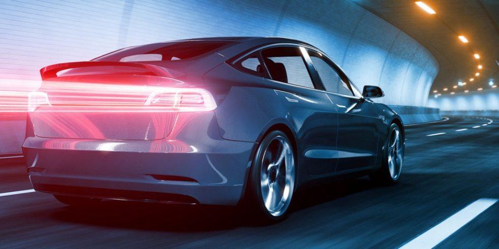 Beim Elektroauto entfällt die Geräuschkulisse durch den Verbrennungsmotor. Dafür kommen hochfrequente Geräusche durch den Elektroantrieb neu hinzu, die von den Insassen als unangenehm empfunden werden. Foto: Continental
