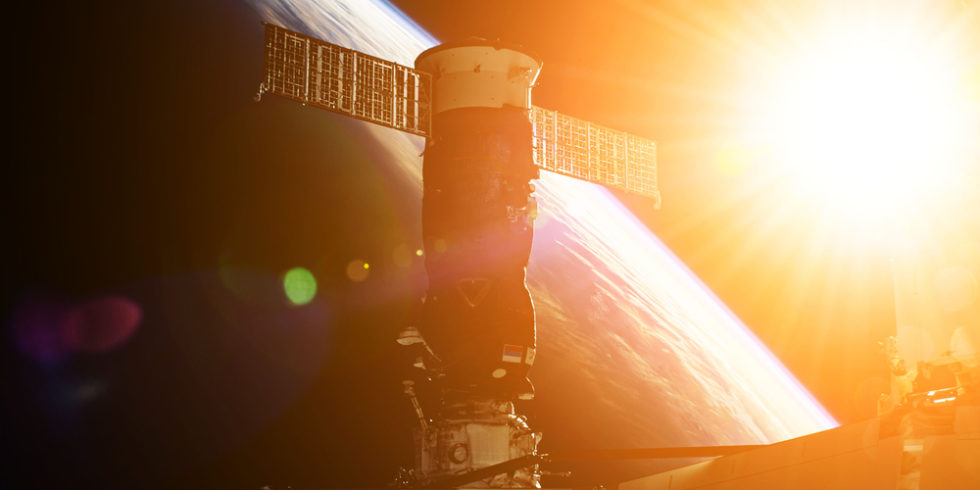 SpaceX fliegt 230 Proben neuartiger Oberflächen gegen Bakterien zur ISS. Foto: panthermedia.net/EvgeniyQ