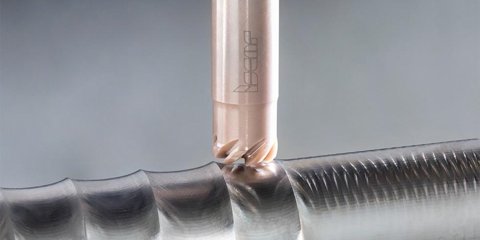 Die Vollkeramik-Schaftfräser bieten einen hohen Zeitgewinn: Sie erlauben Schnittgeschwindigkeiten bis zu 1000 m/min und sind in einem großen Durchmesserbereich verfügbar. Foto: Iscar