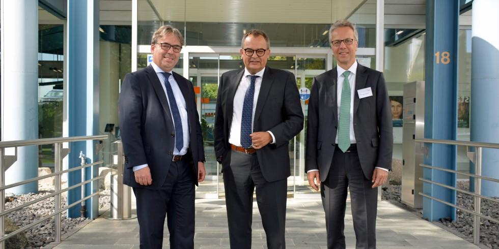 Hartmut Rauen, Geschäftsführer VDMA Antriebstechnik, Bernd Neugart, Neugart GmbH, Vorsitzender, Dr. Stefan Spindler, Schaeffler Technologies AG & Co. KG, stellv. Vorsitzender (von li. nach re.). Foto: VDMA