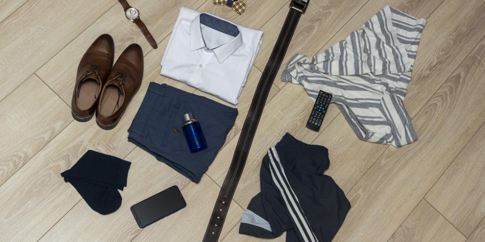 Kleidung im Büro: Das richtige Outfit kann für die Karriere sehr förderlich sein. Dabei kommt es auch aufs Detail an. Foto: Panthermedia.net/sgorin