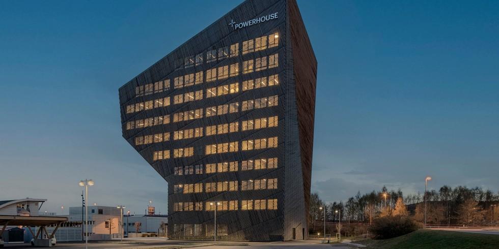 """Das """"Powerhouse Telemark"""" ist bereits das vierte Powerhouse in Norwegen, jedoch das erste Bürogebäude dieser Art in einer kleineren Ortschaft. Foto: Sindre Ellingsen / Schüco"""
