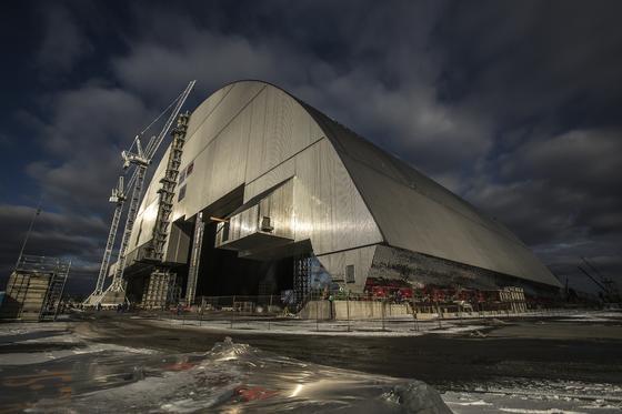 Ein Stahlmantel umhüllt seit 2016 den explodierten Reaktor des AKW Tschernobyl. Foto: European Bank for Reconstruction and Development (EBRD)