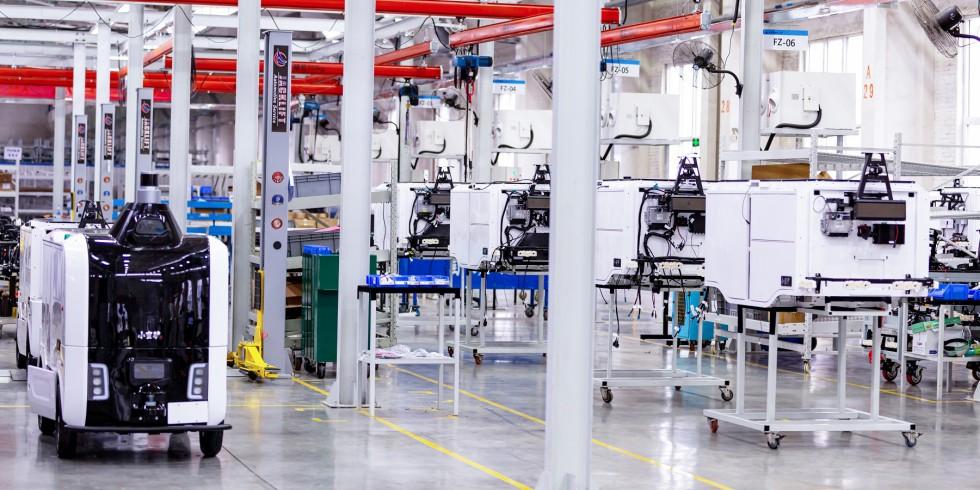 Die Flotte von Xiaomanlv-Robotern soll in den kommenden drei Jahren auf 10.000 Fahrzeuge erweitert werden, um damit die Lieferkapazität auf eine Million Pakete pro Tag in China zu steigern. Foto: Alibaba Cloud