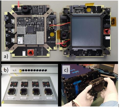 Abbildung 1: a) Innenansicht eines BEESAT, b) die BEESAT-Serie 5-8, c) Integration in den Launchadapter. Fotos: TU Berlin