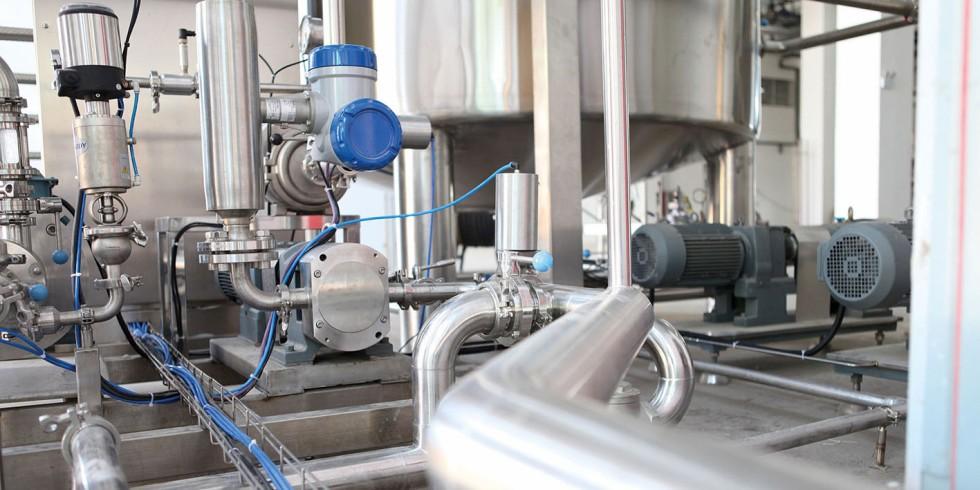 Wie Digital Twins in der praktischen Anwendung funktionieren, zeigt zum Beispiel ein deutscher Chemieproduzent. Das Unternehmen hat eine Mess- und Regelanlage entwickelt, in die das gesammelte Know-how einfloss: Diese überwacht nun erfolgreich den Einsatz von Chemikalien. Foto: tresmo